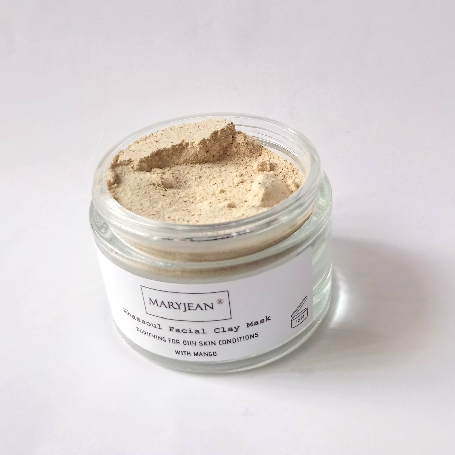 Gently exfoliation from this clay with Apricot seed powder removes damaged skin cells
