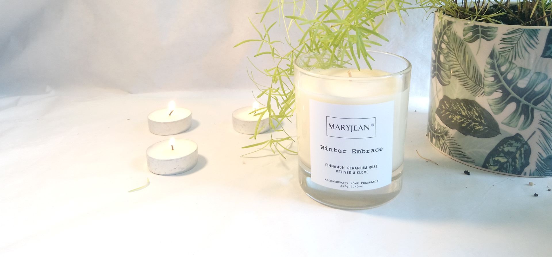 Natural Home Season's Winter Fragrance Hand Poured Large Luxury Soy Candle en_GB